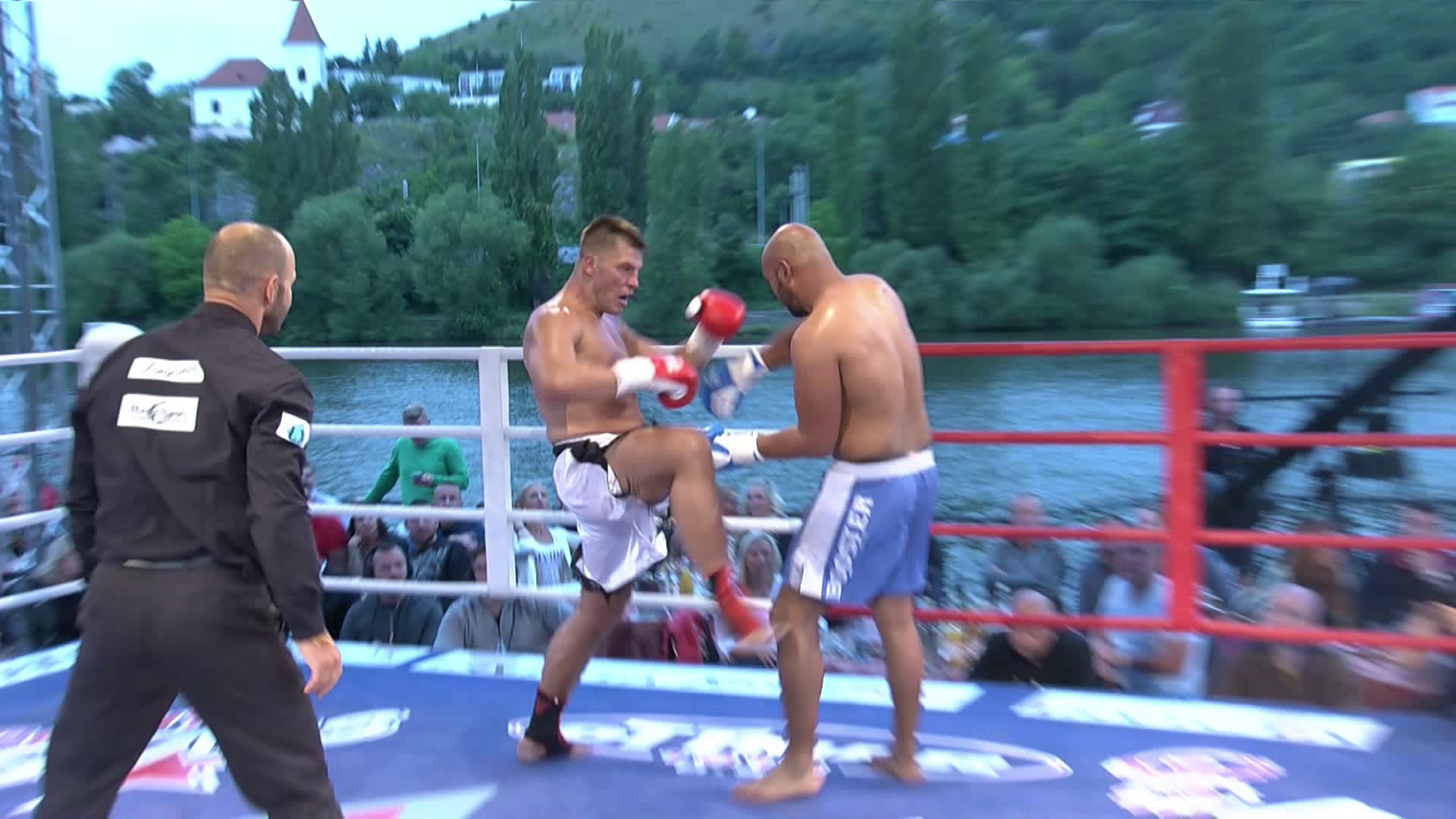 Záznam z Yangames Fight Night Open Air na SPORT 5!